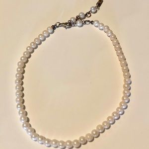 Jewelry - Fine designer faux pearl necklace